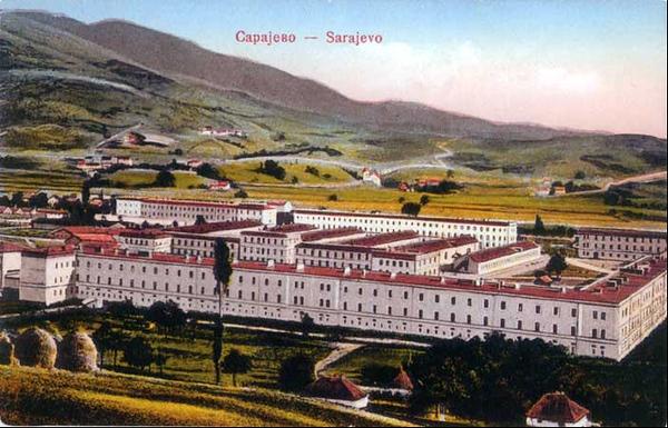 Na prostoru od 30.hektara 1902. g. sagradjene su vojne kasarne, koje su do 1918. g. nosile naziv Filipovića lager.
