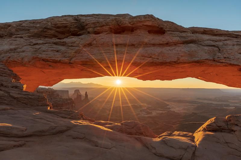 Mesa Arch Sunrise-3.jpg