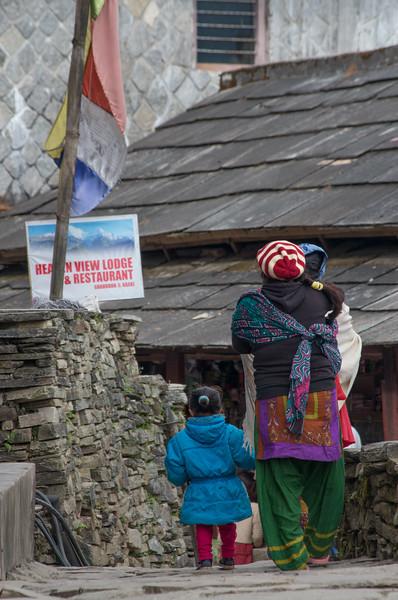 Trekking, Day Four:  Tadapani to Ghandruk