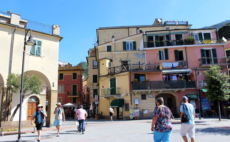 Italy-Cinque-Terre-Monterosso-Al-Mare-10.JPG