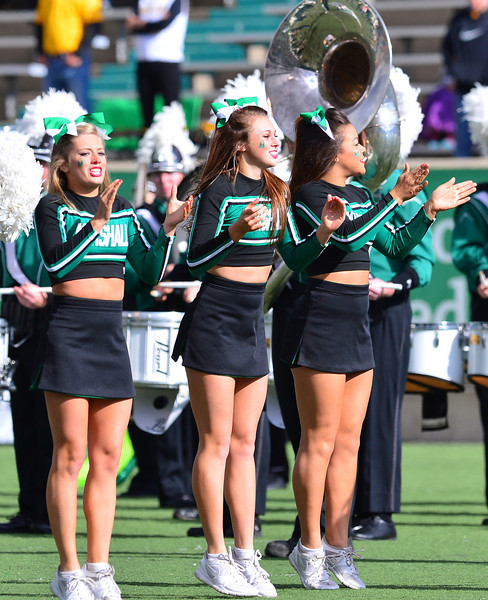 cheerleaders2874.jpg