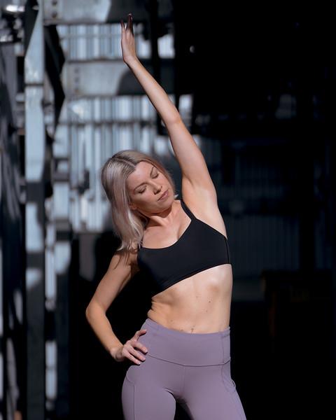 IG - Hawaii - Madeleine Russick - Yoga-1098.jpg