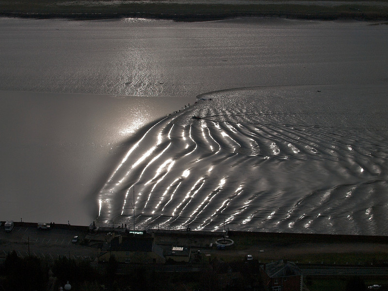 Whilst it was cloudy in the main, on occasions the sun popped out and, I have Rob to thank for grabbing these reflective opportunities. Flying at the precise height and moment to get wave in front of sun with these great reflections was a tough cookie. One chance and a couple of exposures max, but look at the effect. Beautiful result showing the sun bouncing off the gravity wave. Difficult to expose for too! All photos captured with Olympus E3 and 12-60mm/50-200mm SWD lenses.