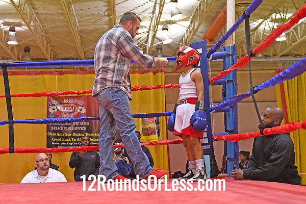 Bout 8 Troy Harris, Red Gloves, CWCB Cinci -vs- Ny'Ziah Martin-Taylor, Blue Gloves, Akron B A, Akron, 70 Lbs, 8-9 Yrs