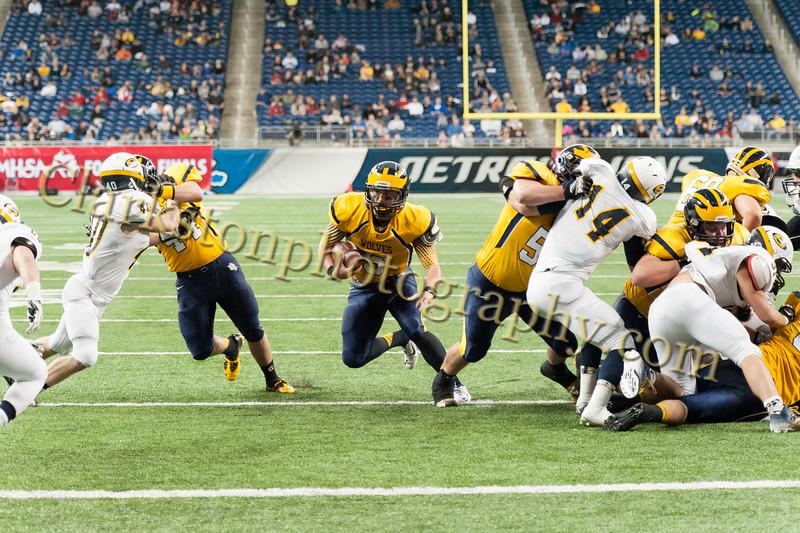 2014 Clarkston Varsity Football vs. Saline 494.jpg
