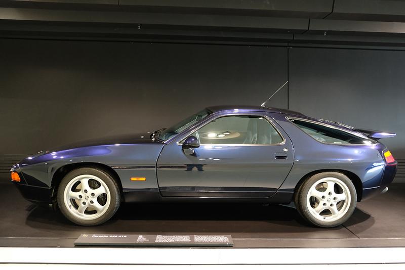 Porsche Museum 928 GTS.jpg