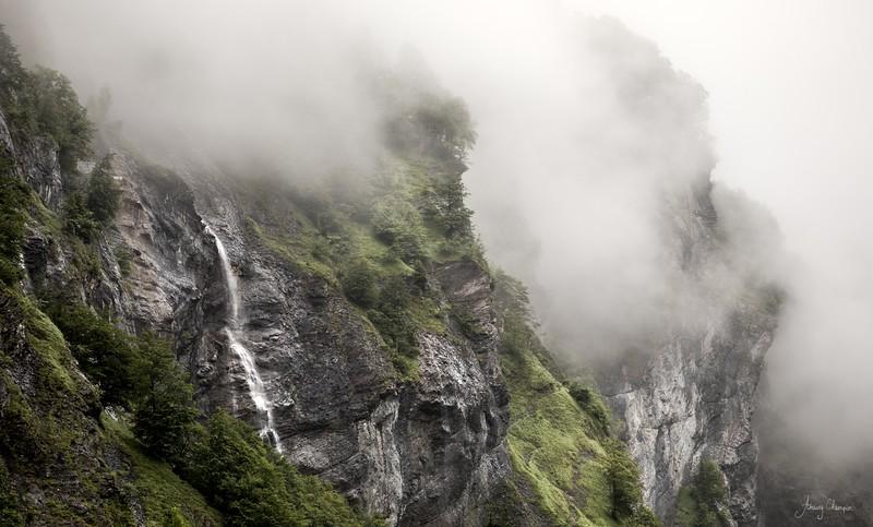 fallaise cascade brumeuse.jpg