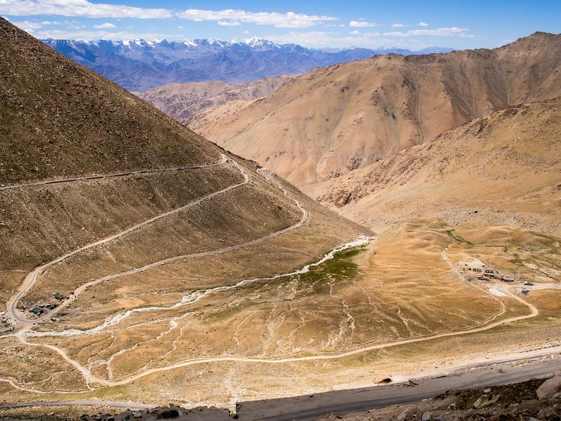 Coming down Chang La Pass