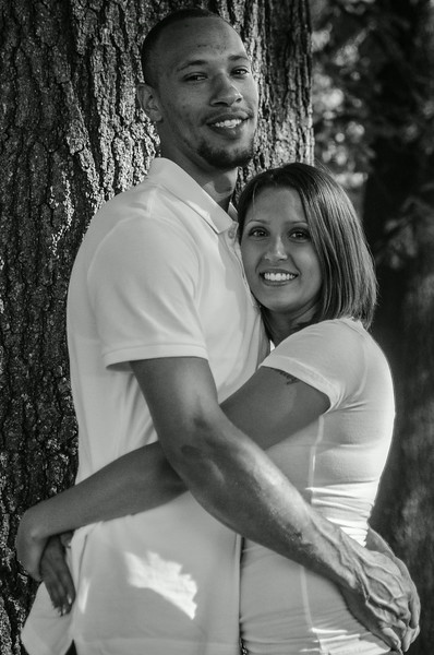 AshleyAndTreyBW (10 of 33).jpg
