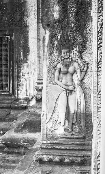Black and White carving at Angkor Wat Temple