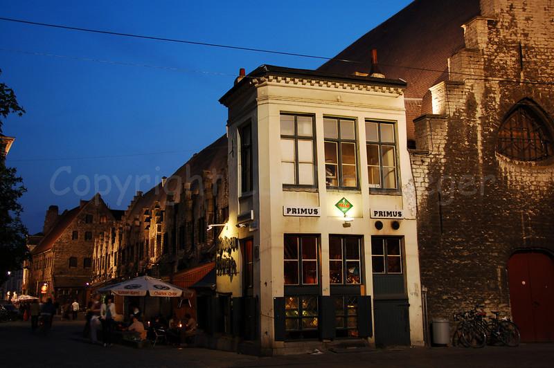 """The """"Galgenhuisje"""" (a pub) on the Groentenmarkt (Grocery Market) in Ghent (Gent), Belgium."""