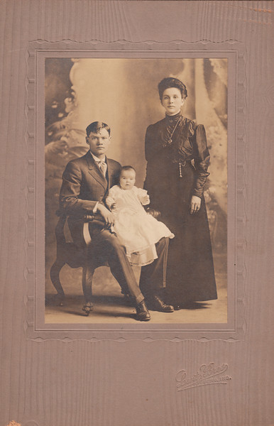 Ray & Mae Sullivan with Adaline (Sond of John, Brother of Ross Sullivan).jpg