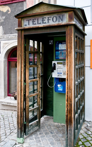 Cesky Krumlov: Old Booth, New Phone