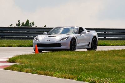 2020 SCCA TNiA June Pitt Race Interm White Vette Slv Wheel