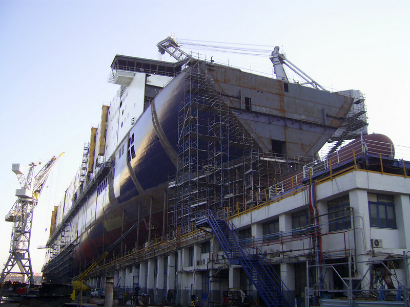 2007 - CRUISE BARCELONA in construction, still in shipyard Fincantieri in Castellammare di Stabia. Without the bow.
