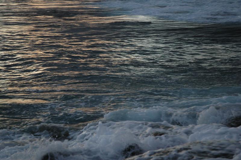 Hawaii - Ala Moana Beach Sunset-172.JPG