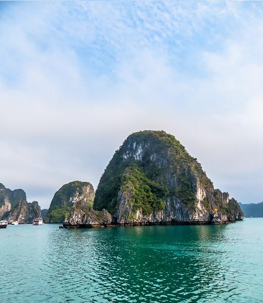 HaLong Bay Vietnam Cruise_P1090379.jpg