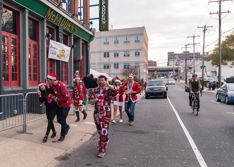 Running with Santa Philadelphia 12-12-2015-3225.jpg