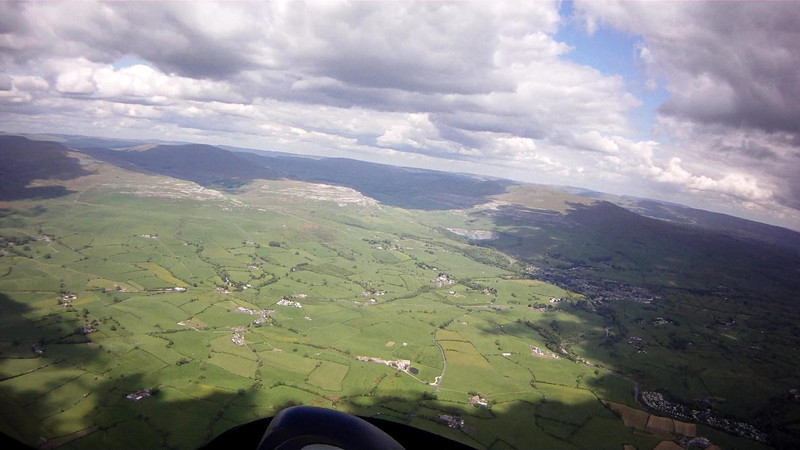 Following the final sunny line to move to  northeast towards Ingleborough, but too late.