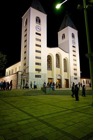Medjugorje, adorazione delle 22 - 01.05.2013