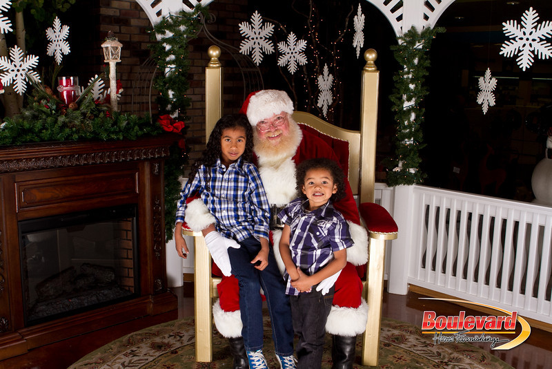 Santa Dec 15-259.jpg