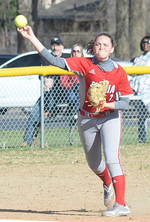 Pioneers beat Columbia in Elyria Softball Classic