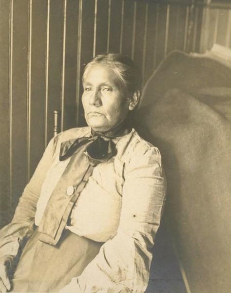 Tonva-MrsJamesRosemeyre-Bakersfield-1905-06.jpg