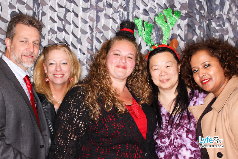 red-hawk-2017-holiday-party-beltsville-maryland-sheraton-photo-booth-0283.jpg