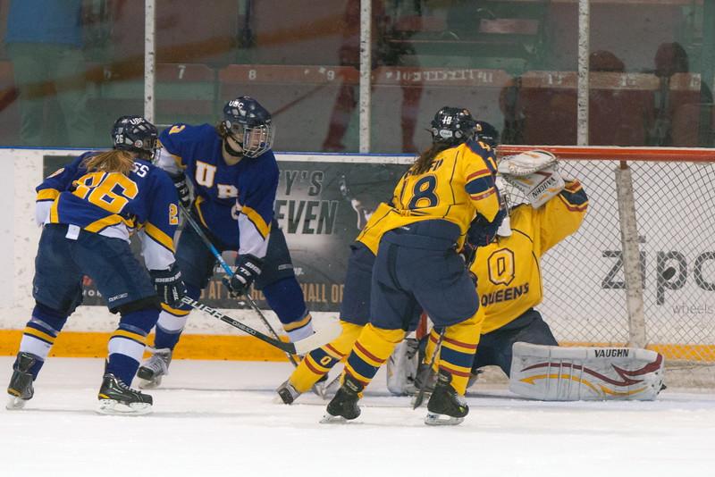 20130310 QWHockeyvsUBC 471.jpg