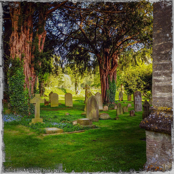 Burford Churchyard late afternoon (May, 2014)