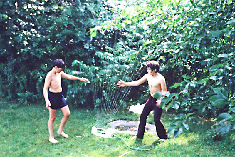 1982-07 - Jeffrey and Jon Eide - Summer fun