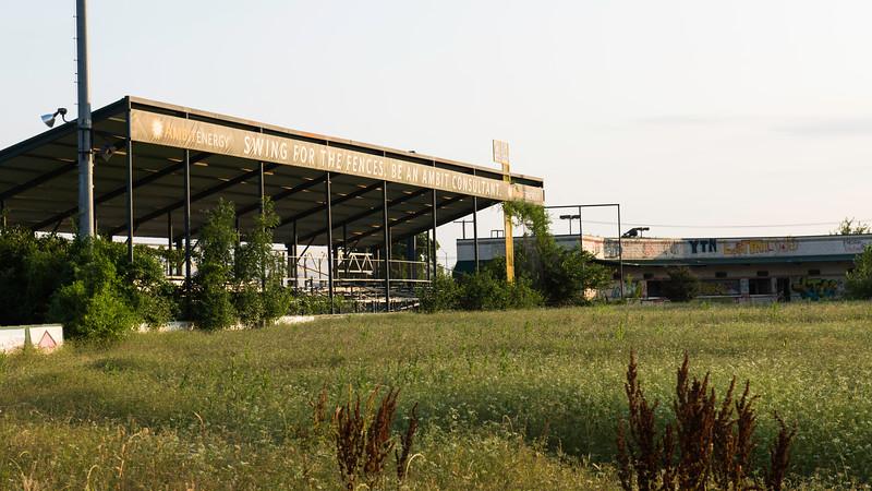 2019-05-27 Abandoned LaGrave Field 014.jpg