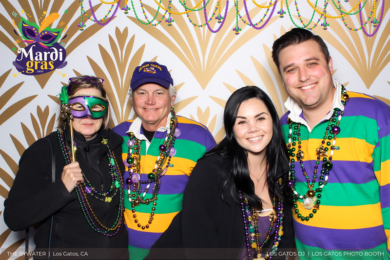 LOS GATOS DJ - The Bywater's Mardi Gras 2021 Photo Booth Photos (beads overlay) (11 of 29).jpg