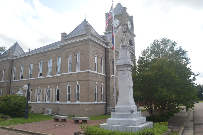 067 Tallahatchie County Courthouse.JPG