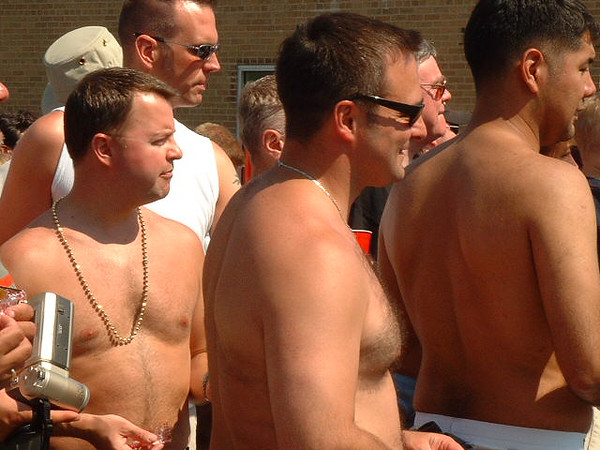 Pride Parade 2001-51-1.jpg