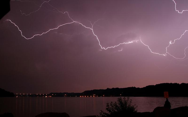 lightning_irond_07_8x5_07232008.jpg