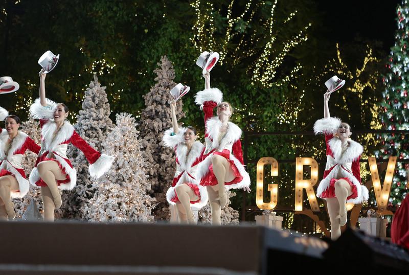 Grove Holiday-311.jpg