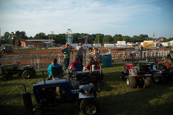 MC Fair 2016 Lawn and Garden Tractor Pull