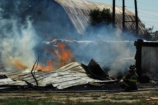 07-26-17 NEWS Barn Fire South of Hicksville