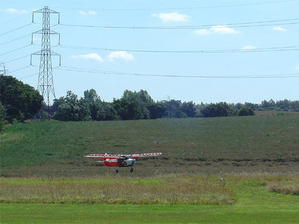Skyranger G-NOTS landing at Plaistows