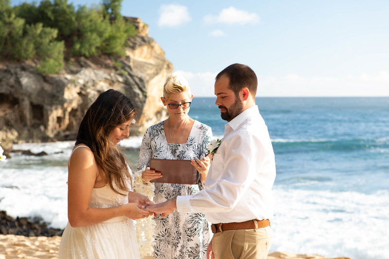 kauai wedding on shipwrecks-26.jpg