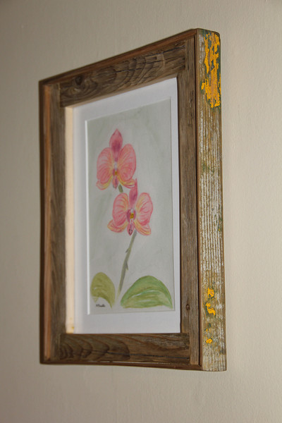 Have an artist in your family?  Weather a budding young artist or a professional looking to have there piece really stand out, driftwood frames are a rustic, unique and eco-friendly way to recycle wood to create amazing items that will surely be a conversation piece in your home!
