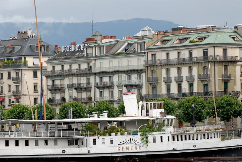 070626 7439 Switzerland - Geneva - Downtown Hiking Nyon David _E _L ~E ~L.JPG