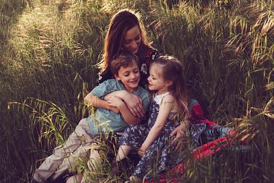 M Paris Motherhood 2019