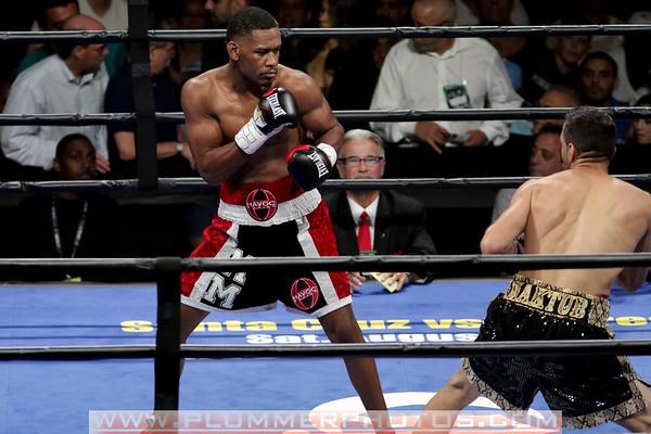 Daniel Jacobs Defeats Sergio Mora by 2nd Round TKO