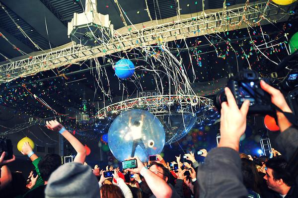 Wayne Coyne, Flaming Lips Freakout 5. Night 2. January 1, 2012. Oklahoma City, Oklahoma.
