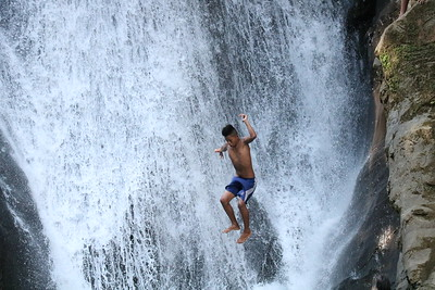 Watsi Waterfall Jumpers