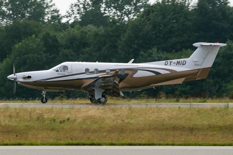 OY-MID-PilatusPC-12-45-Private-RKE-EKRK-2007-08-19-IMG_3960-DanishAviationPhoto.jpg