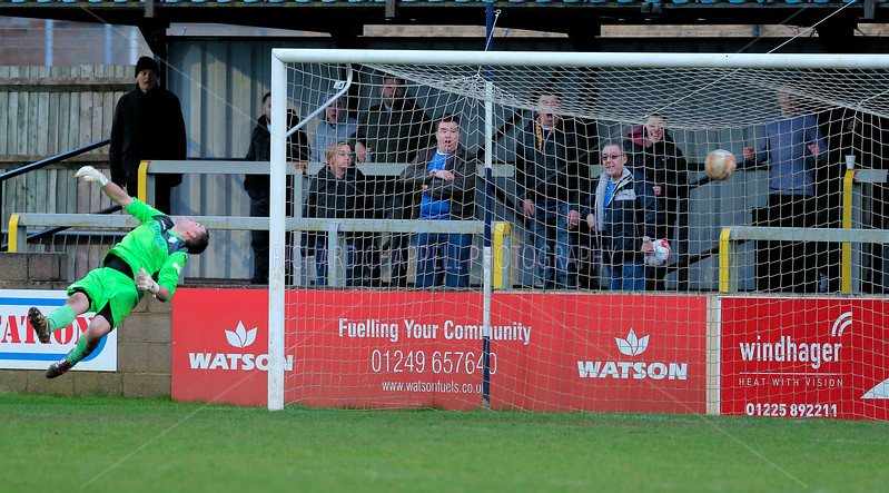 CHIPPENHAM TOWN V KINGS LYNN TOWN MATCH PICTURES 30th Jan 2016