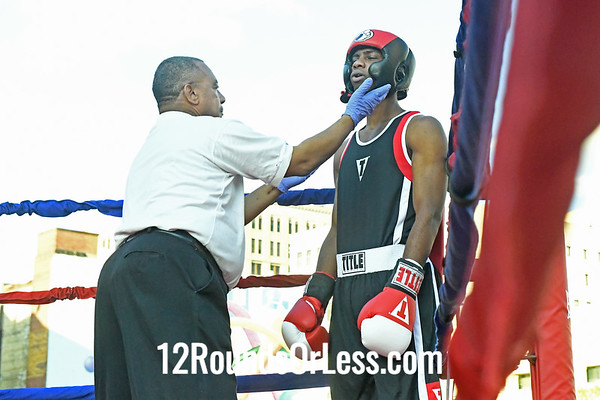 Bout 1 Kamar Carroll, Red Gloves, 22 yr -vs- Nate Ripley, Blue Gloves, 24 yr, 155 lbs